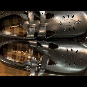 Women black shoe